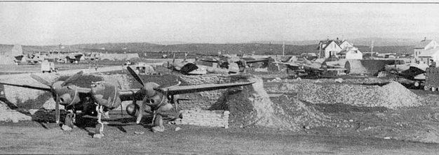 P-38F из 14-й истребительной авиагруппы, аэродром Кефлавик, Исландия, июль 1942 г. Визируясь в Исландии «Лайтнинги» прикрывали североатлантические конвои союзников от налетов германских воздушных рейдеров.