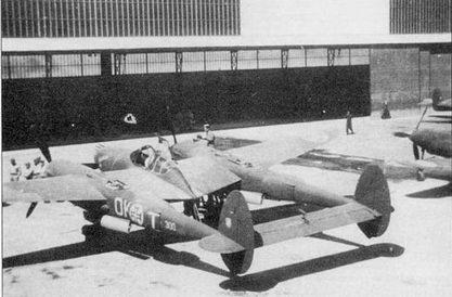 P-38F из 1-й истребительной авиагруппы после вынужденной посадки в декабре 1942 г. в лиссабонском аэропорту Портела де Сакавем, единственный Р-38, интернированный в Португалии. Португальцы самолет не использовали, но регулярно показывали высоким лицам, посещавшим аэропорт.