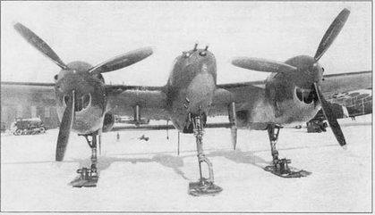 P-38J с убираемым лыжным шасси. Створки ниш демонтированы, так как мешали уборке лыж. Испытания «Лайтнинга» на лыжном шасси проходили в Лэдд-Филде па Аляске в марте 1944 г.