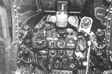 Приборная доска истребителя P-39N, снимок фирмы Белл. Приборные доски незначительно отличались друга от друга на «Кобрах» разных моделей.