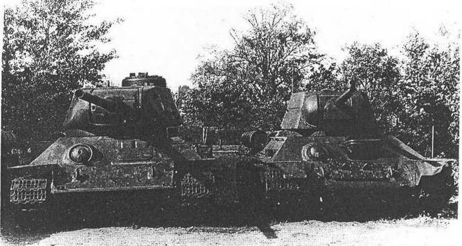 Танки Т-34-85 польского производства — слева и Т-34 советского производства — справа.