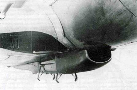 Прототип V42, W.Nr. 1510X3, GC+LA для Fw 190A-5/U13, который стал также прототипом для серии Fw 190G-3/N. Обратите внимание на кассетные пламегасители бортовых выхлопных патрубков и нижний пламегаситель. На снимке видны пламегасители в двух проекциях.