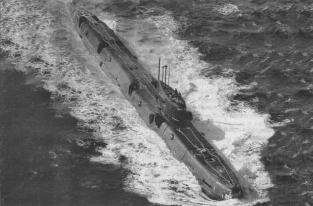 Одна из АПЛ пр. 675МК Северного флота во время несения боевой службы