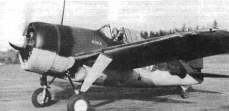 Истребитель «Модель 239» (BW-355). На фюзеляже под фонарем белыми буквами написано «NOKA». В сентябре 1944 года Финляндия подписала перемирие с Советским Союзом, после чего с самолетов убрали желтые элементы быстрой идентификации германского образца.