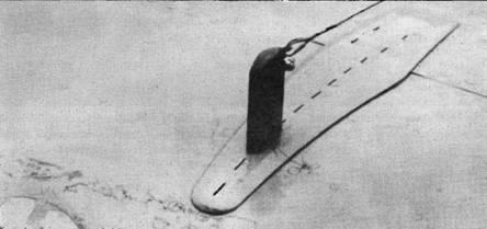 Самолеты из VF-2 прошли небольшую переделку. Высокую антенную мачту на правом борту фюзеляжа убрали, а антенну присоединили к небольшому штырю на левом крыле. Это улучшило обзор из кабины и устранило неприятные вибрации, вызываемые высокой мачтой.