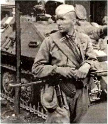 «Ну, где тут контра?». Прага, 1968г.