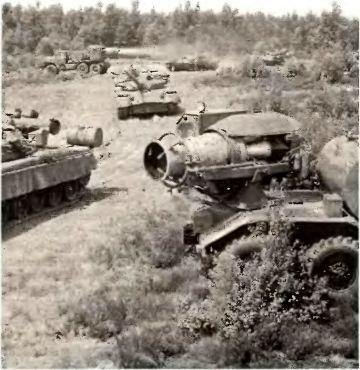 После «ядерного взрыва». Дезактиваторы (если они уцелеют) должны обработать танки (если их еще будет) специальными веществами (если они сохранятся)