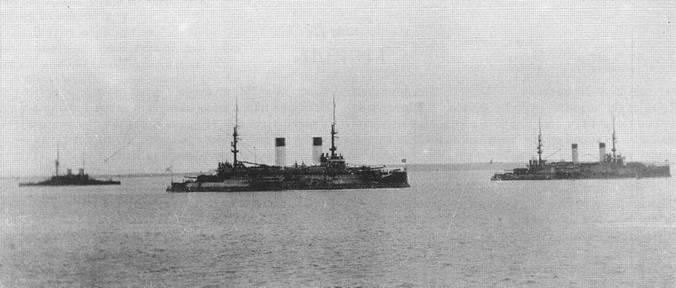Вторая Тихоокеанская эскадра. Стоянка на рейде. 1904г.