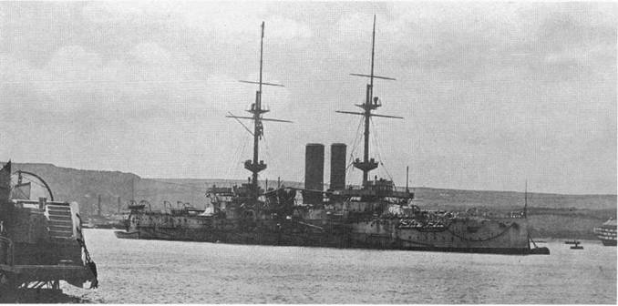"""""""Канопус"""" в 1907 г. (2 фото вверху) и """"Оушн"""" в 1906-1910 гг. (внизу)"""