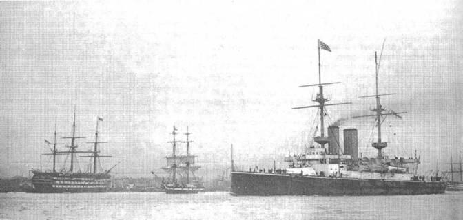 """""""Иррезистибл"""" покидает Мальту. 1902 г."""