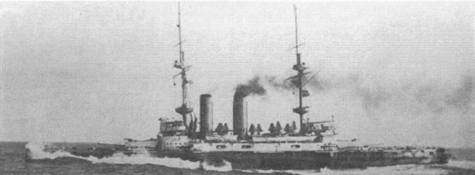 """""""Формидабл"""" на достройке и во время ходовых испытаний в 1901 г."""