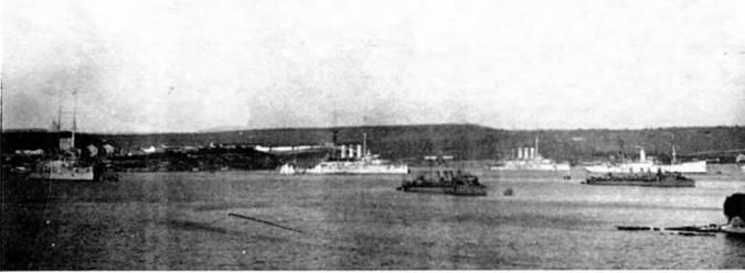 На Севастопольском рейде. 1910-е гг.