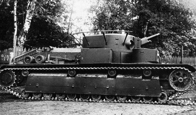 Испытание опытного образца 76,2-мм пушки Ф-32 в танке Т-28.