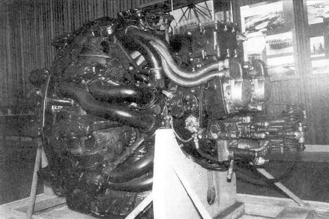 Задняя часть двигателяАШ-82ФН