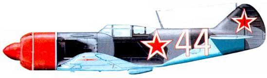 Ла-7 командира 41-го ГИАП. зима 1944- 45г.г. Носовые части фюзеляжей самолетов этого полка красились в красный цвет.