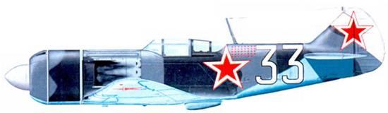 Истребитель Ла-7 командира 4-го ГИАП ВВС Краснознаменного Балтийского флота подполковника В. Ф. Голубева. Цифры тактического номера имеют черную, а не красную, обводку.