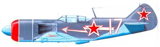 Ла- 7 командира 9-го ГИАП майора В. Д. Лавриненкова. Восточная Пруссия, зима 1944- 45г.г. 9-й ГИАП входил в состав 303-й ИАД. На фюзеляжах самолетов которой часто изображались молнии. Верхние поверхности самолета — однотонные серо-голубые.