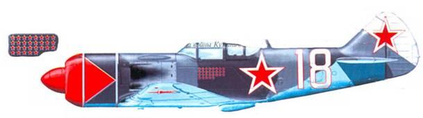 Самолет штурмана 176-го ГИАП А.С. Куманичкина. На борту фюзеляжа — отметки о 29 сбитых самолетах противника. До конца войны Куманикин одержал еще шесть побед.