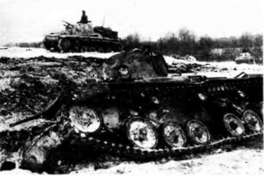 «Валентайн» подбитый на Восточном фронте. Группа армий «Центр», февраль 1942 года.