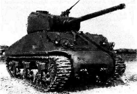Танк M4A2(76)W на НИИБТ Полигоне в подмосковной Кубинке. 1945 год. Под своим американским индексом эта модификация «Шермана» в советских документах военных лет никогда не фигурировала.