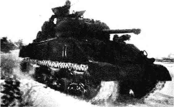 Танк М4А2 старшего лейтенанта Н.Сумарокова. 3-й Украинский фронт, 1944 год.