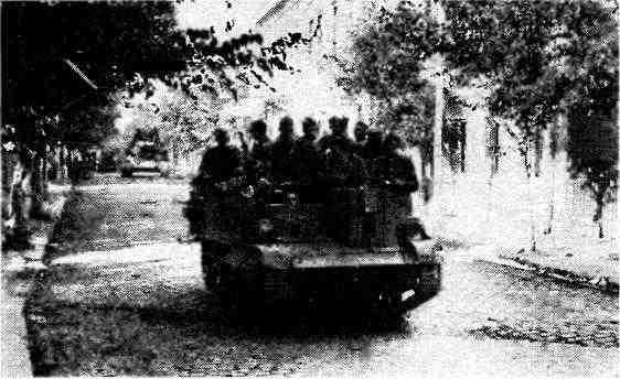 БТР «Универсал» на улице румынского города. Август 1944 года
