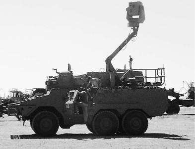 Система управления артиллерийским огнём на шасси бронетранспортёра Рател южноафриканского производства. Фото Ян Либзнбзрг