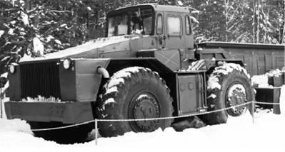 Бульдозер колесный БКТ. Возможно применялся в Африке. Фото Геннадий Шубин
