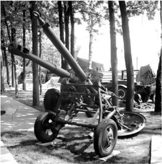 160-мм миномет образца 1943г. (МТ-13). Дальность выстрела — 5,1км. Фото Геннадий Шубин