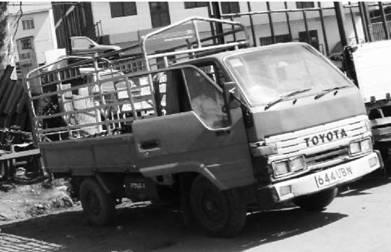 Грузовик Тойота. Уганда. Фото Елена Харитонова