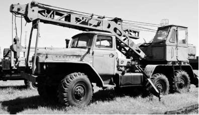 Кран автомобильный войскового назначения КС-2573 на шасси УРАЛ-4320. Фото Вячеслав Барабуля