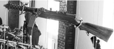 Автомат МП-34 калибра 9 мм (патрон 9х19 мм) производства фашисткой Германии. Фото Геннадий Шубин