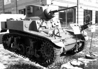 Американский танк М3 Стюарт. Пушка калибра 37 мм. Самый массовый лёгкий танк Второй мировой войны (в 1938–1941 было выпущено 23685 единиц). Использовался португальцами в Анголе. Фото Геннадий Шубин