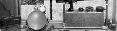 Слева направо противопехотная мина, противотанковая мина, ручные гранаты и противопехотные мины советского производства.