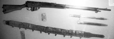 Винтовка Ли-Метфорд калибра 7,71 мм или 0.303 дюйма (патрон 7,71х56 мм) и патронташ времён англо-бурской войны 1899–1902гг Фото Геннадий Шубин