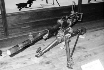 Итальянский пулемёт Бреда Модель 37 калибра 8 мм производства фашистской Италии. Возможно использовался в Африке с 1954г Фото Геннадий Шубин