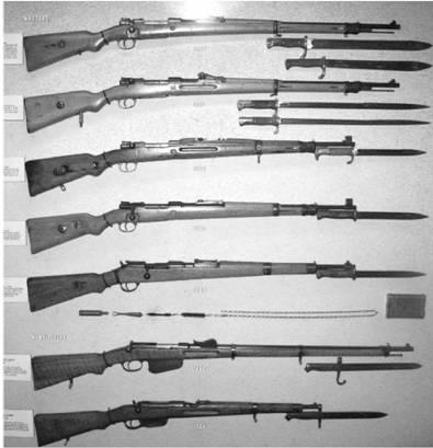 Немецкие винтовки и карабин Маузер калибра 7,92 мм; винтовка Манлихер калибра 11 мм и карабин Манлихер калибра 8 мм. Фото Геннадий Шубин