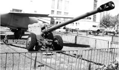 Д-74 калибра 122 мм. Дальность выстрела — до 24км. Фото Виктор Лызлов