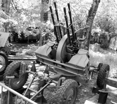 ЗПУ-4 (четыре ствола калибра 14,5 мм) (патрон 14,5x114 мм). Фото Геннадий Шубин