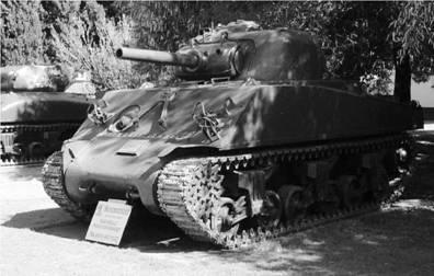Танк Шерман М4/105. Пушка калибра 105 мм. Фото Ян Либенберг