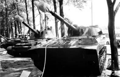 САУ Гвоздика. Пушка калибра 122 мм. Дальность выстрела до 15,2км. Фото Геннадий Шубин