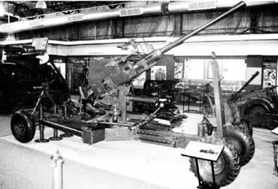 Шведское скорострельное орудие Бофорс калибра 40 мм. Фото Геннадий Шубин