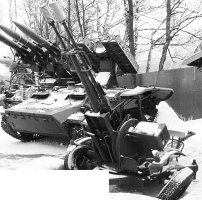 Зу-23-2 (Зеушка), Стрела-10 на шасси МТЛБ. Фото Геннадий Шубин