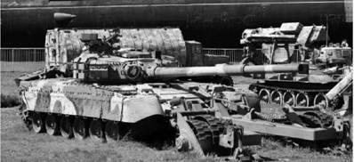 Т-80У с минным тралом. Пушка калибра 125 мм. Фото Вячеслав Барабуля