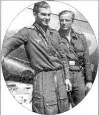Май 1943 году. Ленинградский фронт. На снимке два неразлучных друга из II./JG 54: фельдфебель Баци Штерр (слева, 127 заявленных побед) и фельдфебель Альбин Вольф (144 победы). Оба погибли 1944 году: Вольф 2 апреля ни востоке, а Штерр 26 ноября на западе. К тому времени Штерр летал в составе IV./JG 54 и пал жертвой «Мустанга» Р-51.