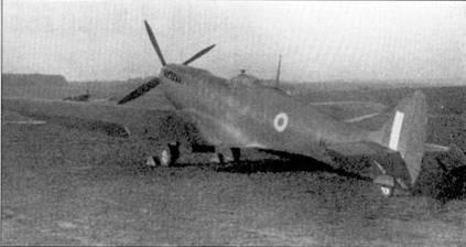Невооруженный прототип «Спитфайра» Mk III серийный № N3297использовался для летных испытаний на фирме Роллс-Ройс, осенью 1941г. на нем был установлен двигатель «Мерлин-61». Новый двигатель значительно улучшил летные характеристики. Данный самолет входил в число партии «Спитфайров» заказанной ВВС фирме Виккерс в /937г., первый полет совершил в конце 1939г.