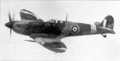 Истребитель с заводским № АВ196 был построен как «Спитфайр» Mk V, он одним из первых был модернизирован в вариант Mk IX. Самолет был вооружен четырьмя 20-мм пушками Испано, очень небольшое количество «девяток» имело такое вооружение.