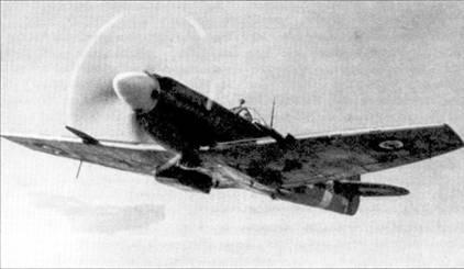 Одним из последних построенных «Спитфайров» Mk XII стал самолет с бортовым кодом «МВ882». На снимке — «Спитфайр» Mk XII с бортовым кодом «МВ882» пилотирует флайт-лейтенант Дональд Смит из 41-й эскадрильи, Фристаун, апрель 1944г. Идентификационный код истребителя — «ЕВ-В». Дональд Смит родился в Южной Австралии, сражался на «Спитфайр ах» Mk V в составе 126-й эскадрильи чад Мальтой, затем был переведен командиром звена в 41-ю эскадрилью, где стал летать на «Спитфайрах» Mk XII. Завершил свою карьеру Смит командиром 453-й эскадрильи RAAF, вооруженной «Спитфайрами» Mk IX. На счету Дональда Смита значилось пять самолетов, сбитых в воздушных боях лично, один — в группе, два вероятно сбитых и два поврежденных.