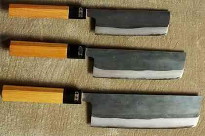 Верхний Nakiri имеет длину клинка 120 мм, средний – 150 мм, нижний – 180 мм. Мастер Sinichi Watanabe. Оптимальный размер с моей точки зрения – 180 мм