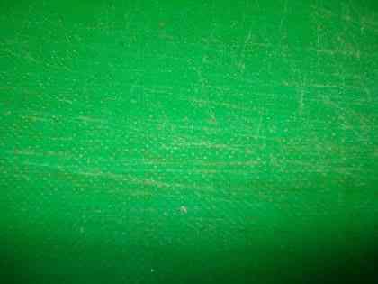 Грязь и бактерии, забившиеся в рифленую поверхность разделочной доски. Традиционными способами эту грязь не вымыть